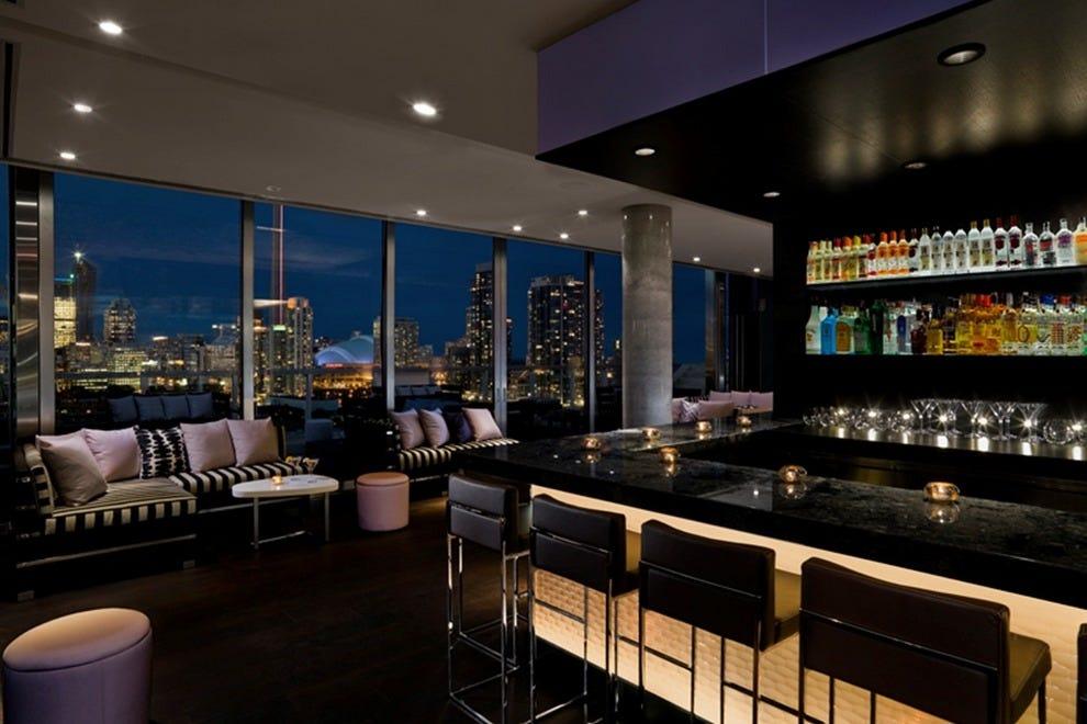 Rooftop Lounge at the Thompson Toronto: Toronto Nightlife ...