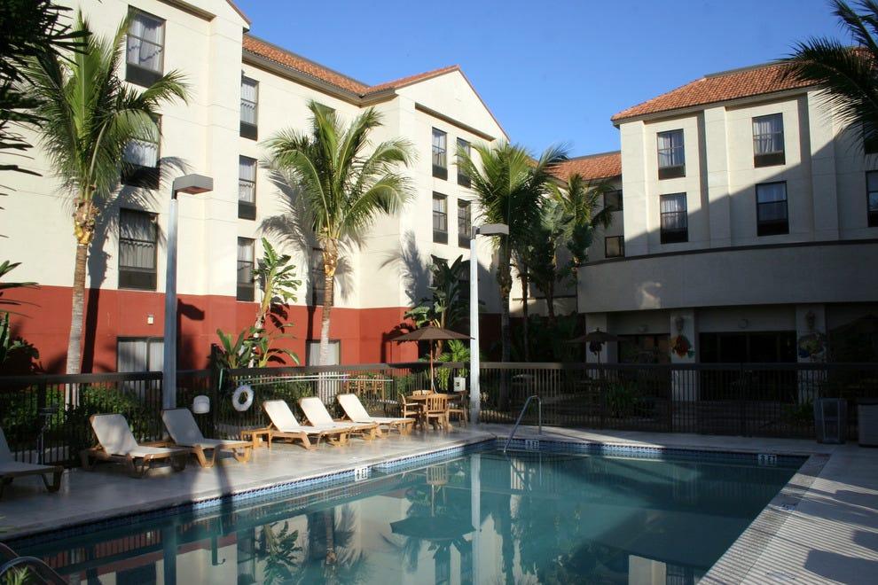 Hampton Inn Amp Suites Fort Myers Beach Sanibel
