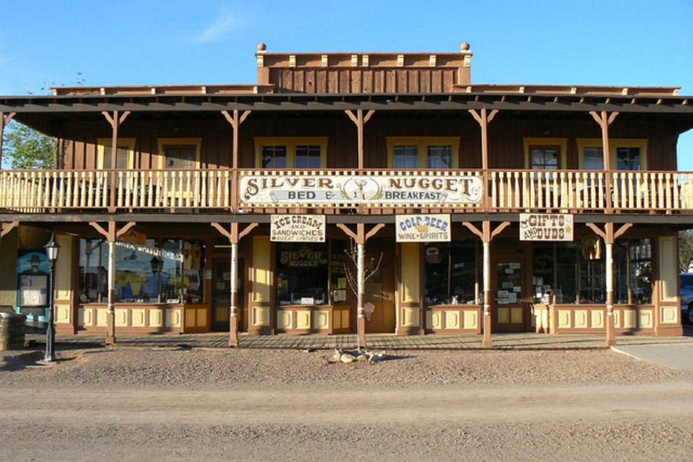3 Walk Around A Wild West Town