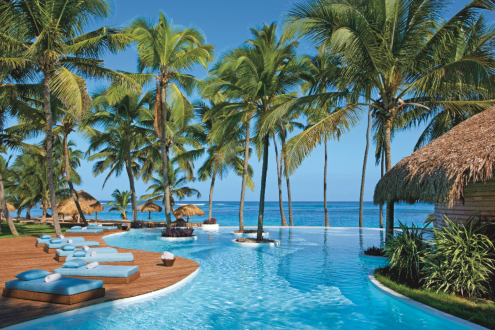 The gorgeous infinity pool at Zoetry Agua Punta Cana