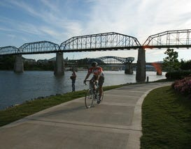 10Best Goes Cycling in Chattanooga