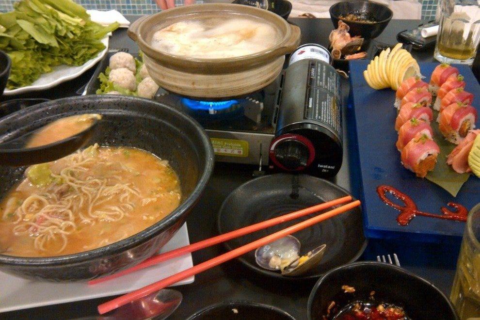 Chicago asian food restaurants 10best restaurant reviews for Antique thai cuisine san diego