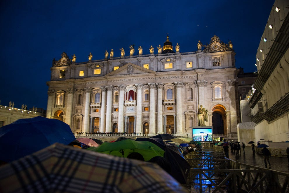 Crowd waiting in St. Peter's Square