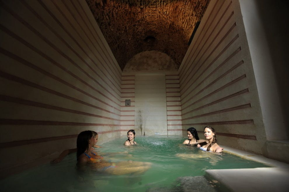 10best Explores Bath Houses Around The World Features