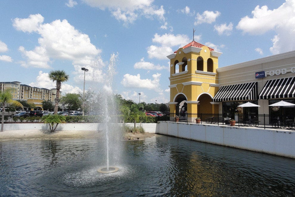 Lake Buena Vista Factory Stores features a Food Court, World of Coffee Internet Cafe and Frankie Farrell's Irish Pub & Grille. To reach Lake Buena Vista Factory Stores from Interstate 4, take I-4 to Exit 68 and travel 2 miles South on State Road