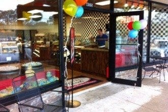 River Street Sweets Opens New Candy Shop in Habersham Village