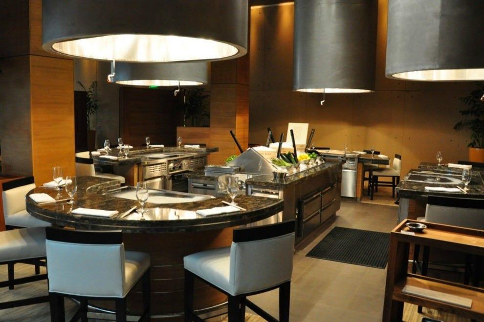 Las vegas japanese sushi food restaurants 10best for Aria grill cuisine