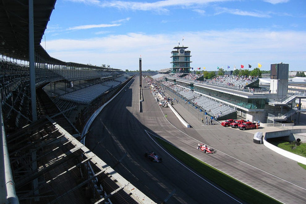 The canyon-like frontstraight of the Indy Motor Speedway during a testing session