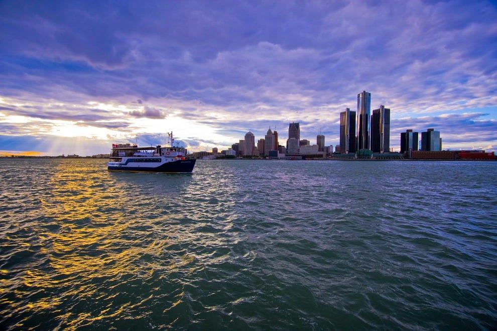 Detroit skyline at dusk