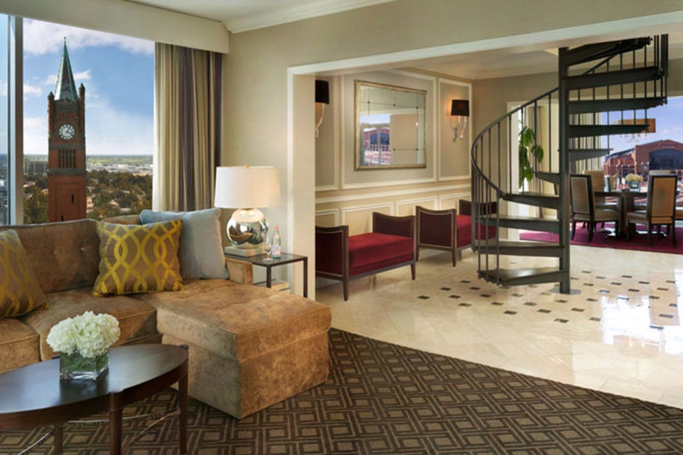 Exterior: Indianapolis Hotels And Lodging: Indianapolis, IN Hotel