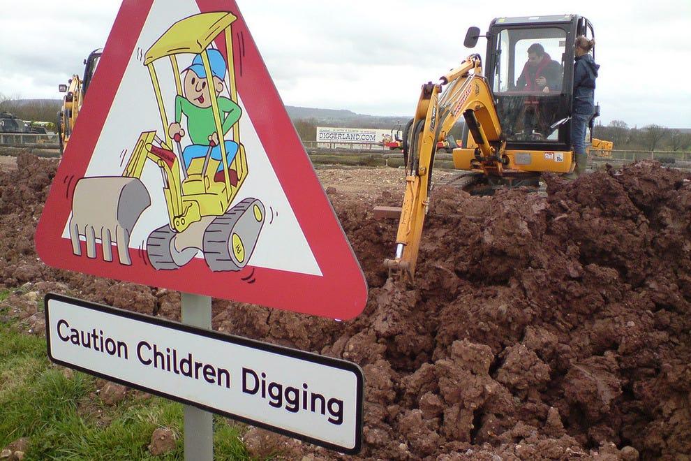 Drive real construction machinery at Diggerland