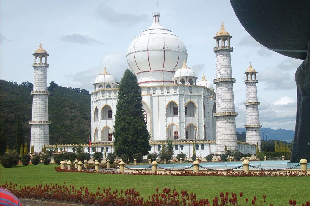 Taj Mahal in Parque Jaime Duque