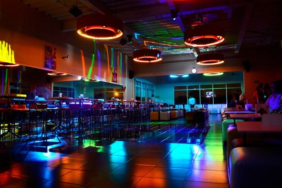 Azukarr is the newest Salsa club in Cancun