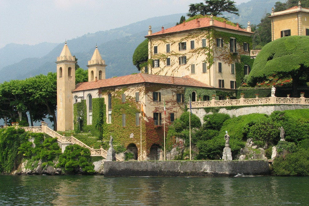 Building on Lake Como
