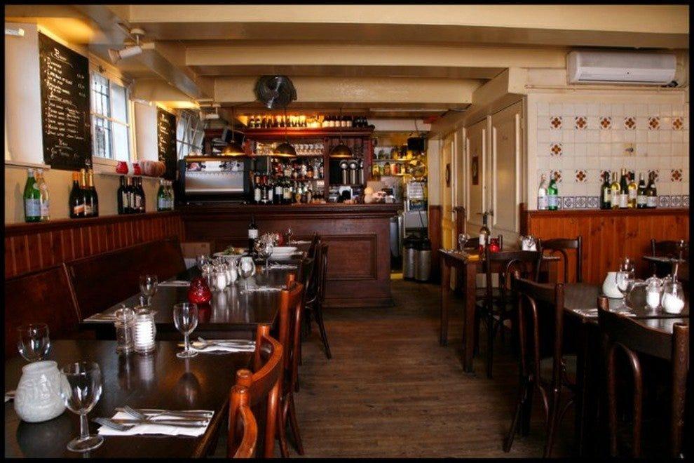 Де Струйсвогель 10 лучших французских ресторанов в Амстердаме 10 лучших французских ресторанов в Амстердаме p 165375 147124348679544 7319482 n 54 990x660 201406020223