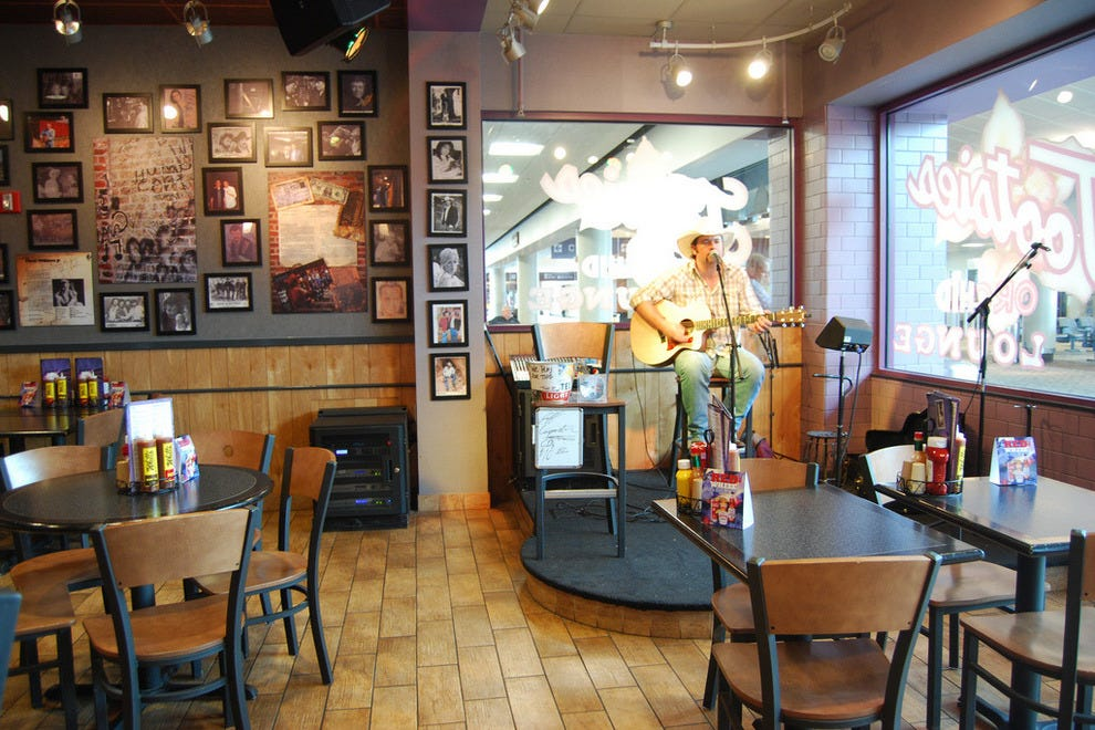 A free concert at Tootsie's Orchid Lounge
