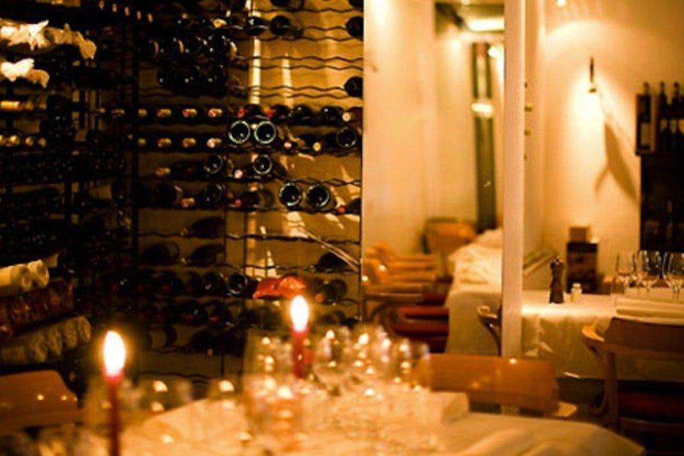Utrechtsedwarstafel 10 лучших французских ресторанов в Амстердаме 10 лучших французских ресторанов в Амстердаме p intro interior 54 990x660 201406010101