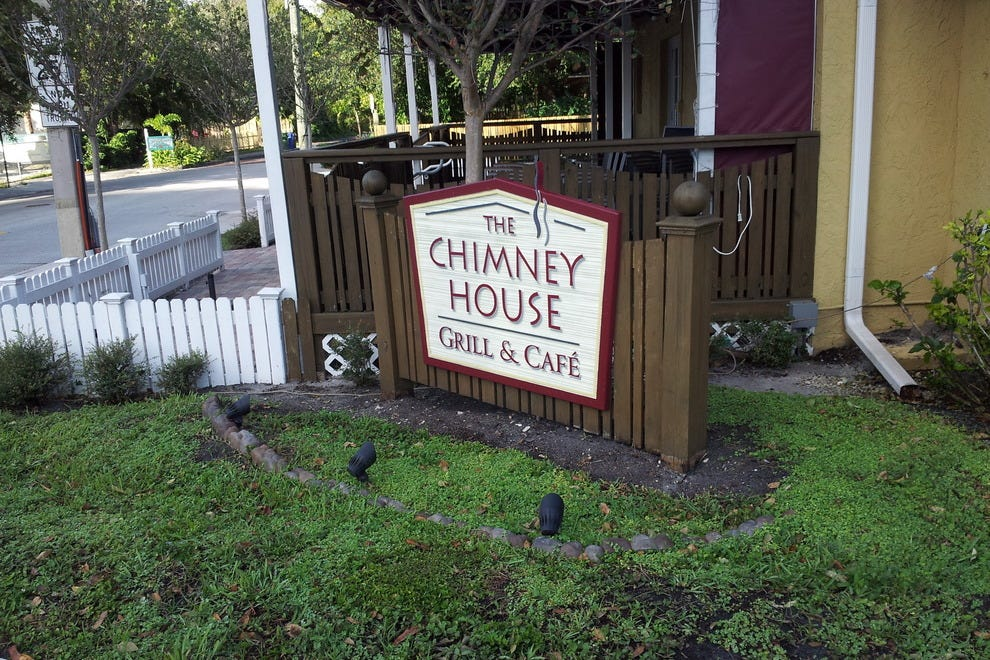 The Chimney House - Grill and Cafe