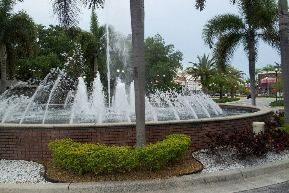 The Fountains in Plantation