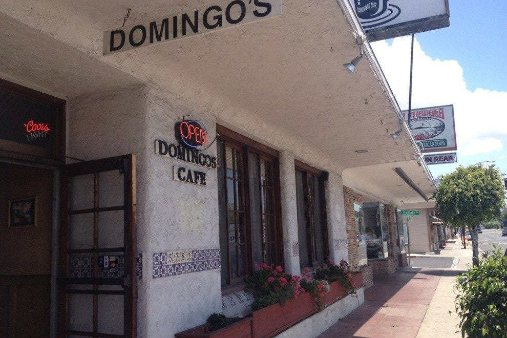 Domingo's Cafe