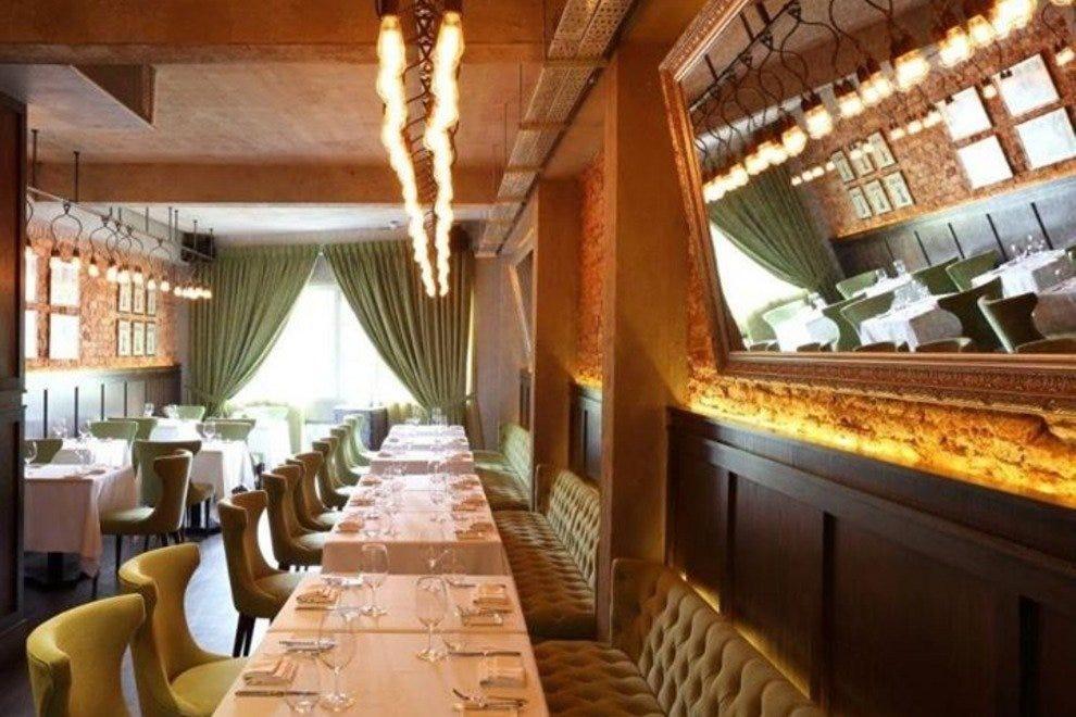Absinthe singapore restaurants review 10best experts for Au jardin les amis restaurant singapore