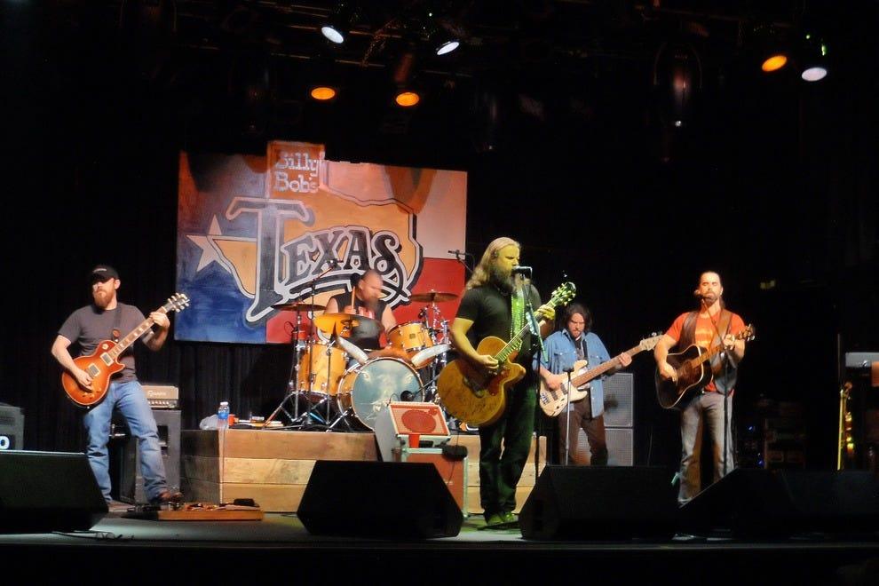 Grammy Award Winner Jamey Johnson on stage at Billy Bob's.