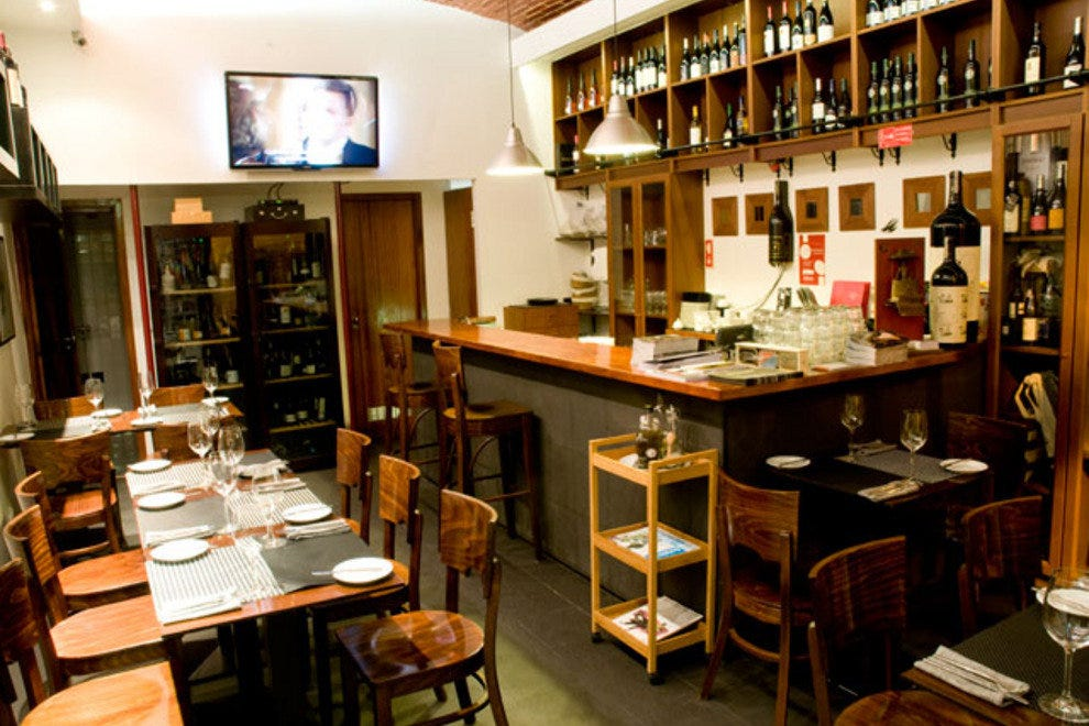 Enjoy lunch and a drop of wine at Enoteca de Belem.