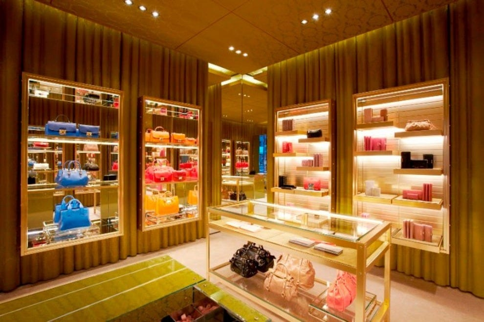 Holt Renfrew: Vancouver Shopping Review - 10Best Experts and ...