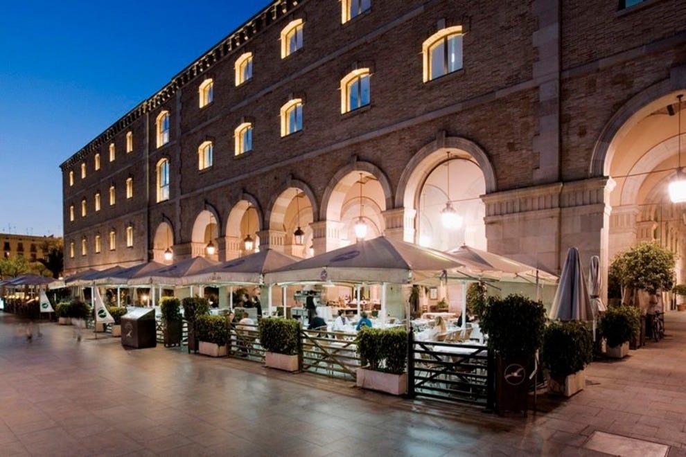 Restaurants near cruise port restaurants in barcelona - Restaurant umo barcelona ...