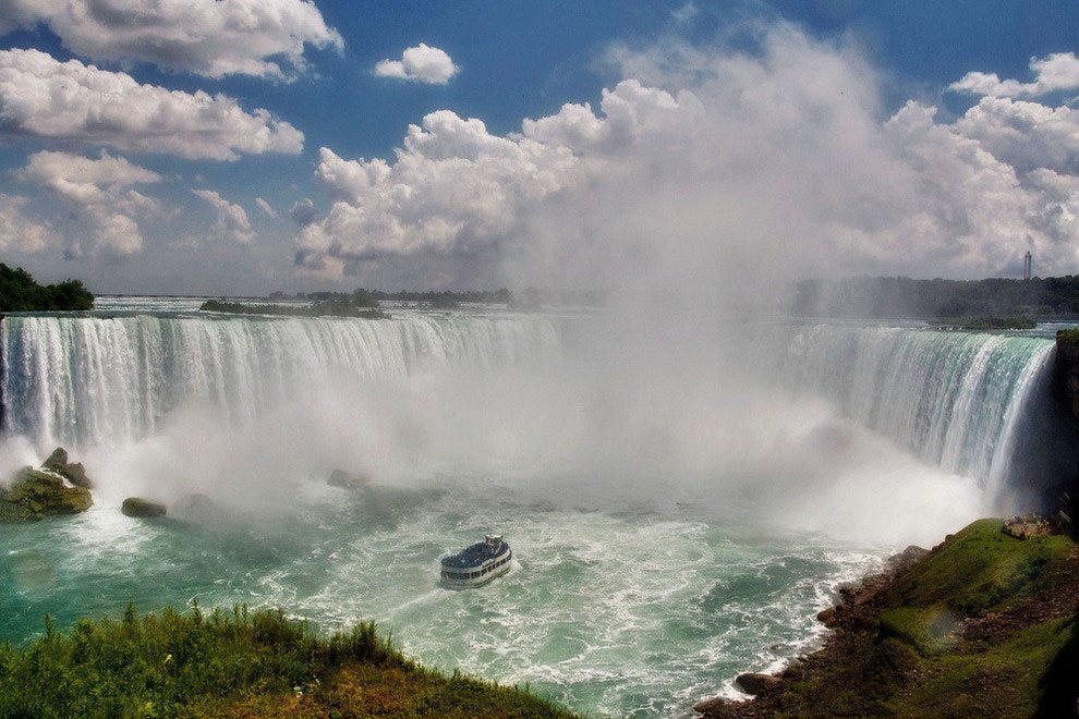 Discover the beauty and power of Niagara Falls.