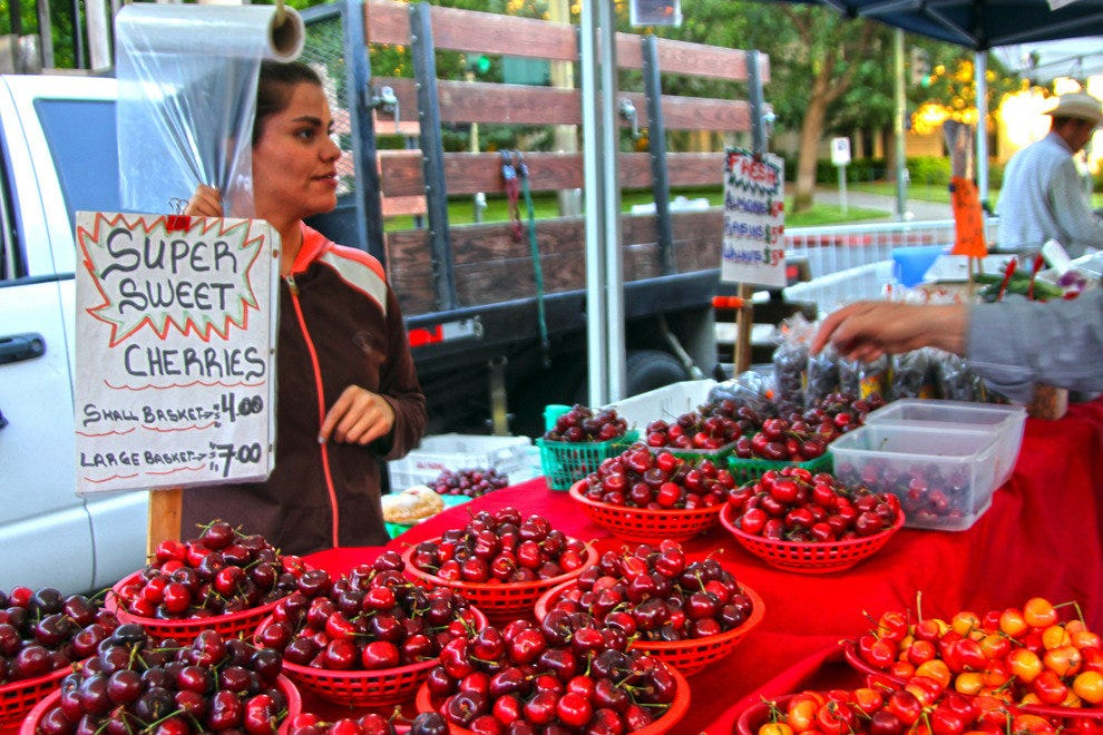 Taste Your Way Through Sonoma's Farmers Markets