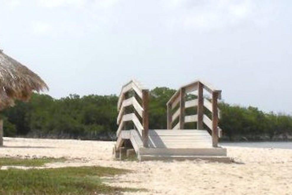 阿鲁巴床和海滩