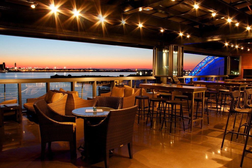 Legal harborside boston restaurants review 10best for Best fish restaurants in boston
