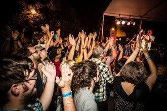 Live Music Venues Throughout Chicago Rock Every Night of the Week