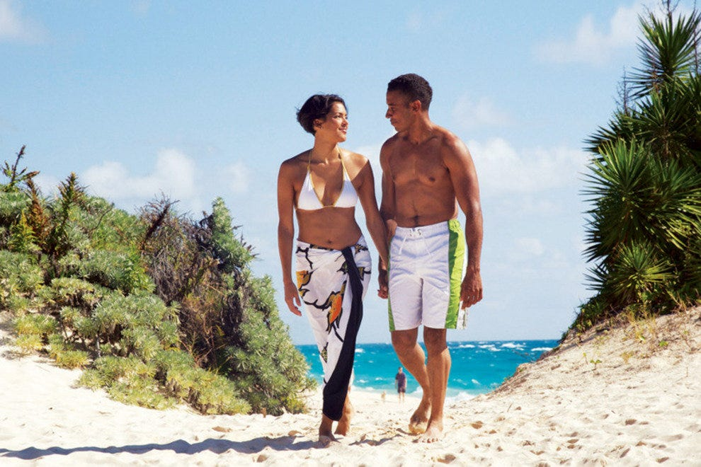 Enjoy a romantic day with your loved one in Bermuda
