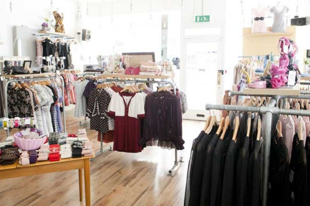 shop for vintage clothing in dublin at carousel shopping