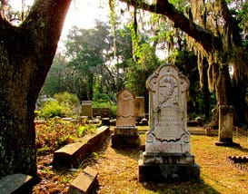 10 Graveyards You Have to Visit