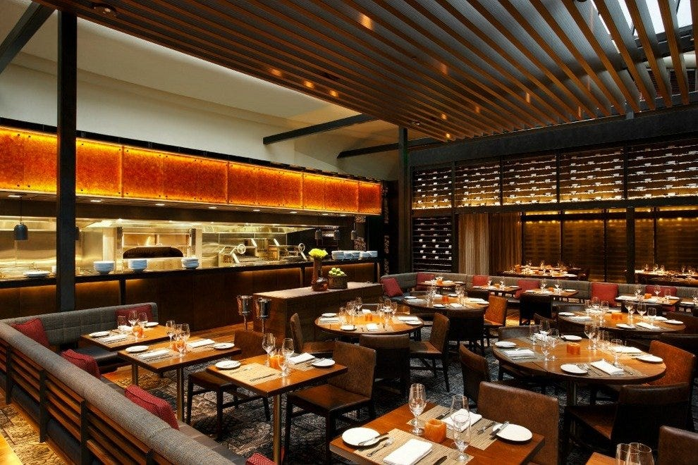 The dining room at Tom Colicchio's Heritage Steak