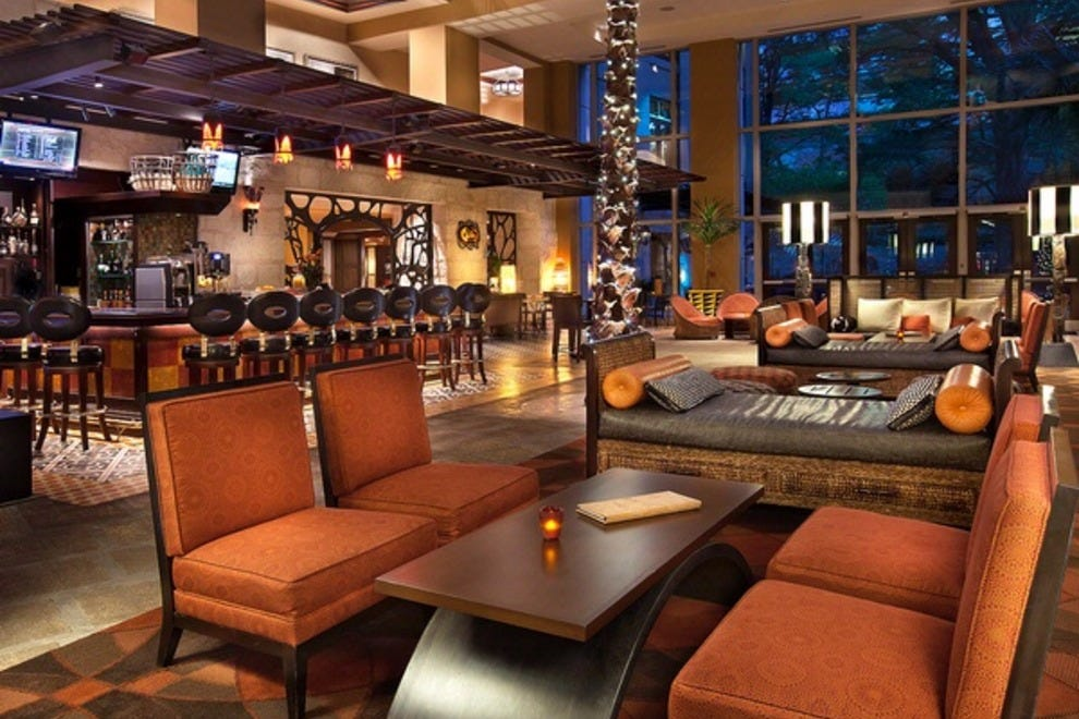 hotel contessa luxury suites on the riverwalk san. Black Bedroom Furniture Sets. Home Design Ideas