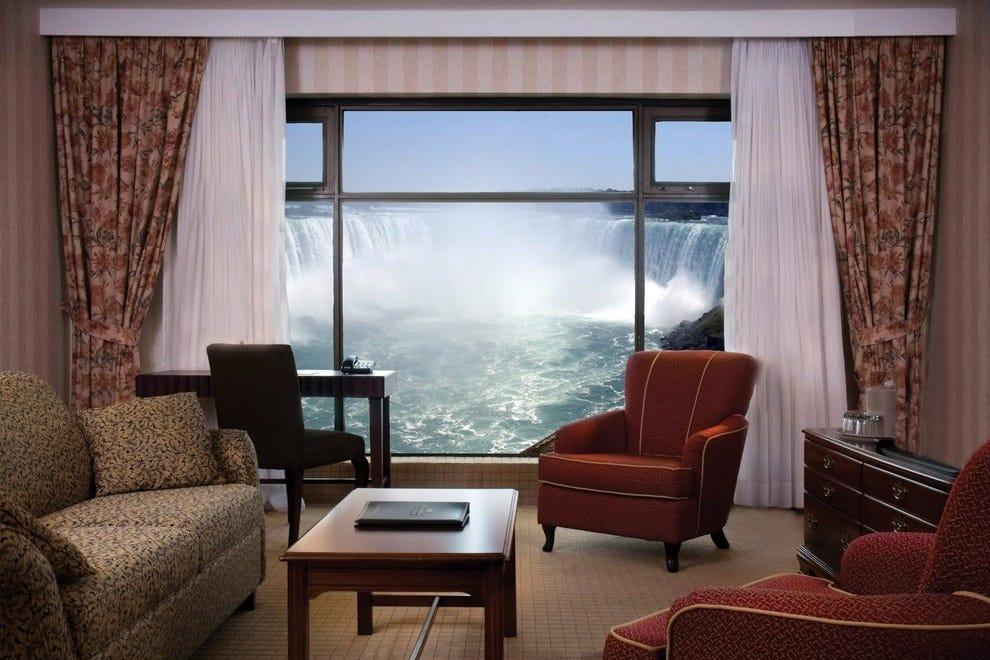 Sheraton on The Falls Rooms Sheraton on The Falls