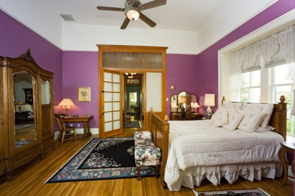 Royal Elizabeth Bed and Breakfast Inn