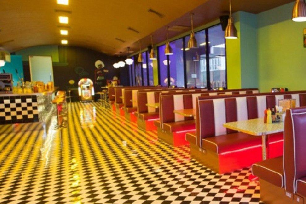 Restaurant Slideshow Late Night In Bangkok