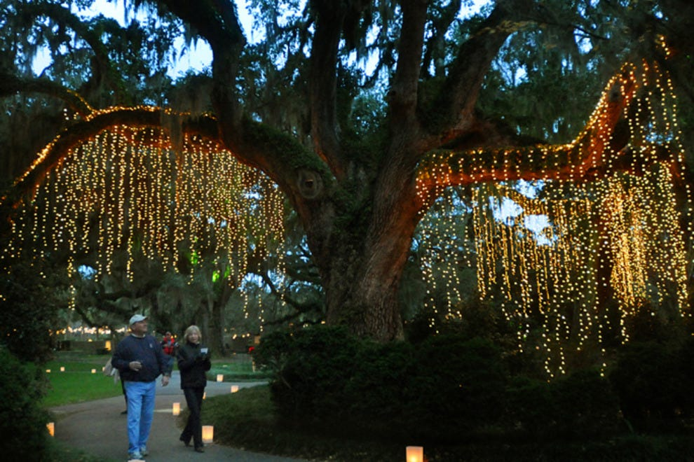 Celebrate The Season At 39 Nights Of A Thousand Candles 39 Romance Article By