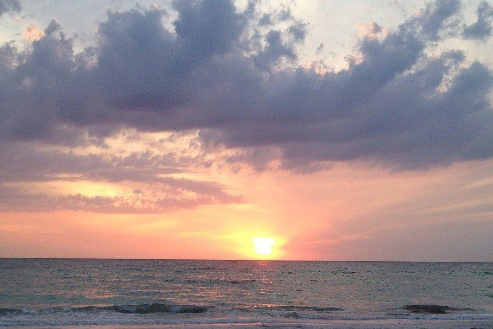 萨尼贝尔岛浪漫的日落