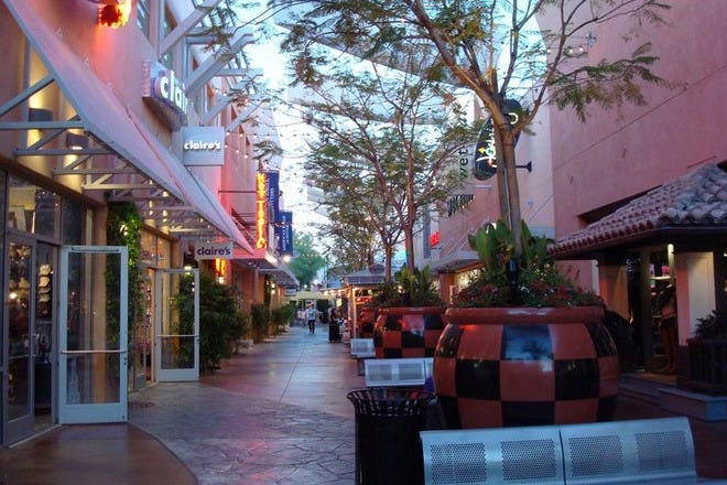 Where to go Christmas shopping in Phoenix this holiday season