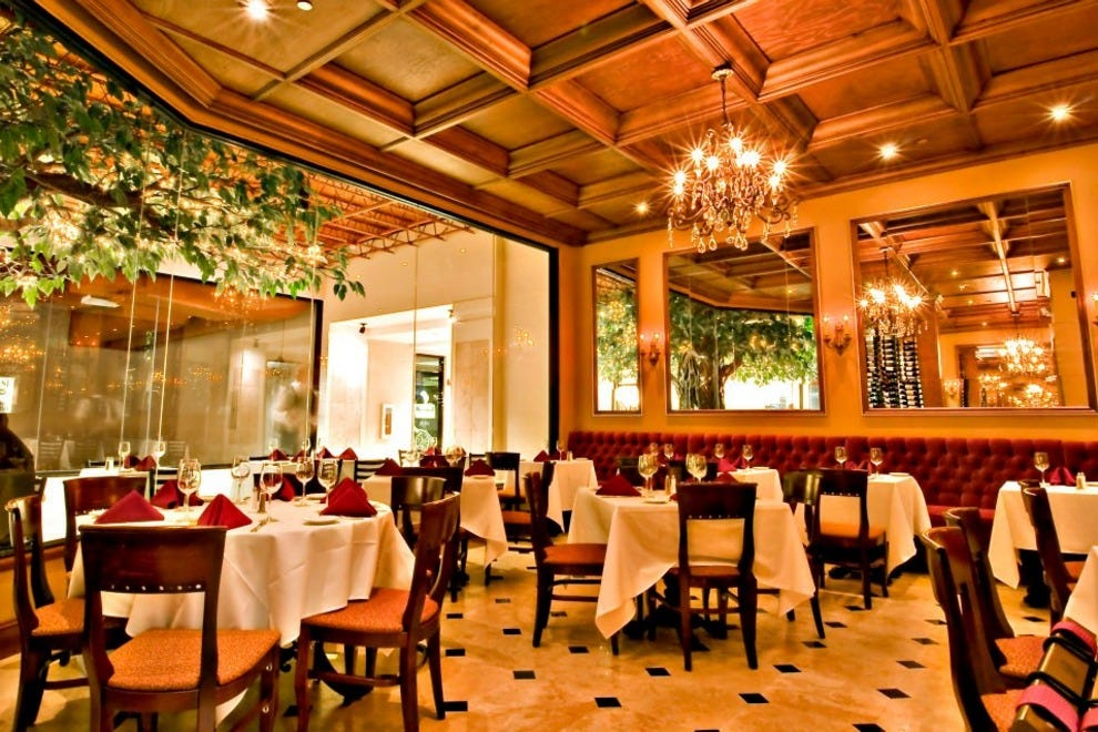 Paris bistro orlando restaurants review 10best experts for Best private dining rooms orlando