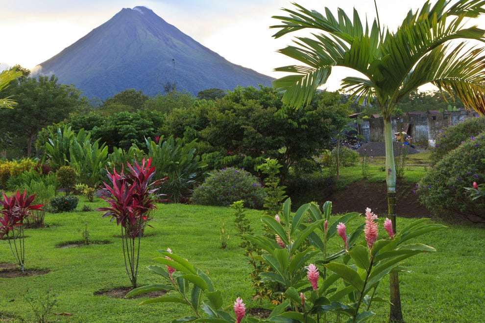 Volcano vacations around the globe sports adventure for Nature et decouvertes tours
