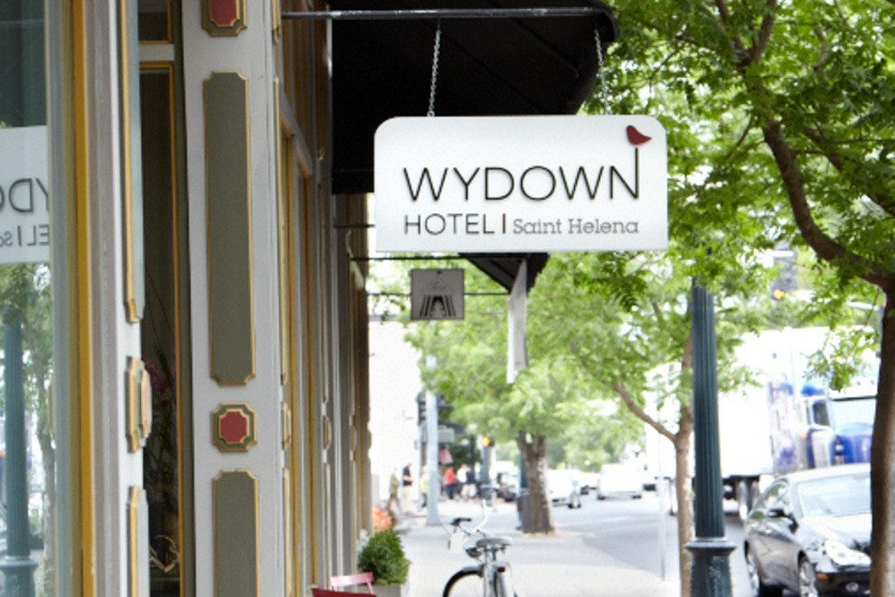 Wydown Hotel in downtown St. Helena