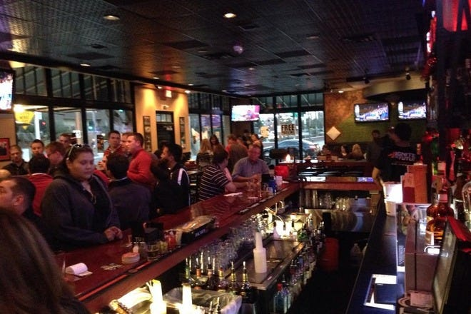 10 Great Sports Bars in Metro Phoenix