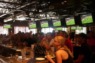 10 Best Sports Bars in Scottsdale to Watch the Big Game